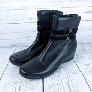 Clarks Artisan Leather Embrace Love Boot 7.5
